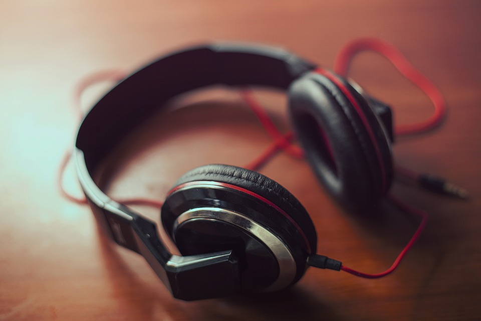 headphones-407190_960_720